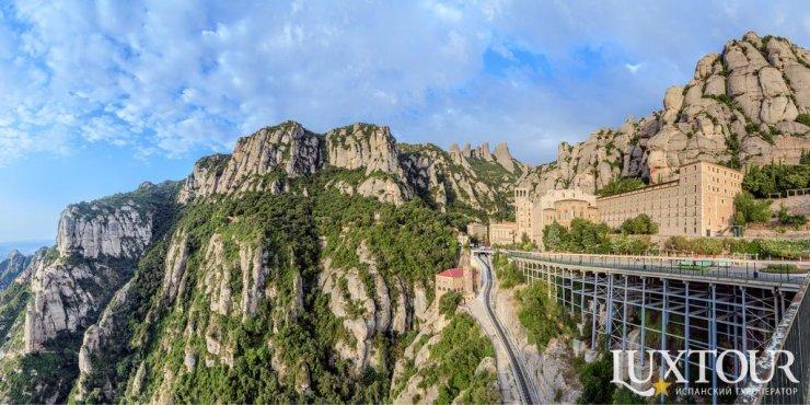 Монастырь Монсеррат — духовный символ Каталонии
