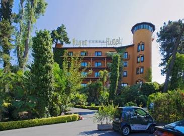Отель Rigat Park